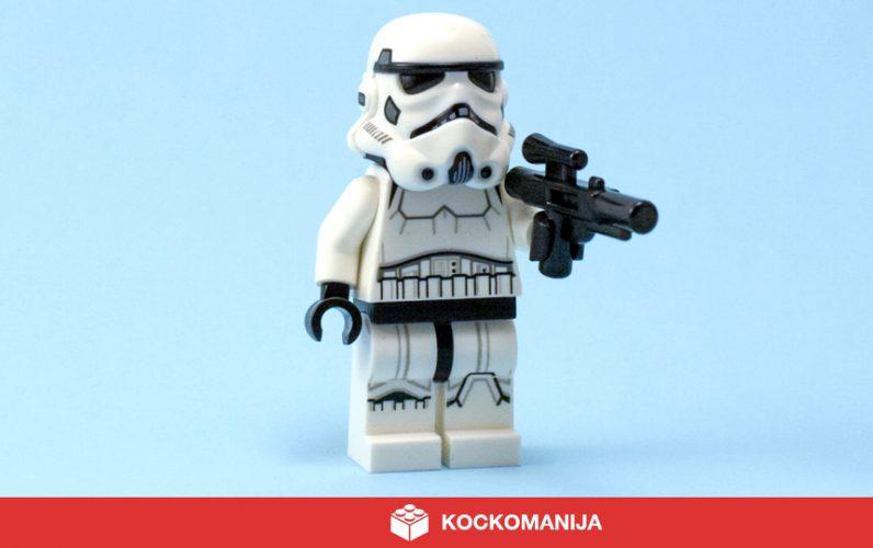 Minifigura Stormtrooperja s fazerjem v roki