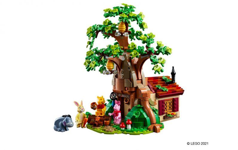 21326 LEGO Ideas set Medvedek Pu. Zelo lepa hišica z drevesom medvedka Puja.