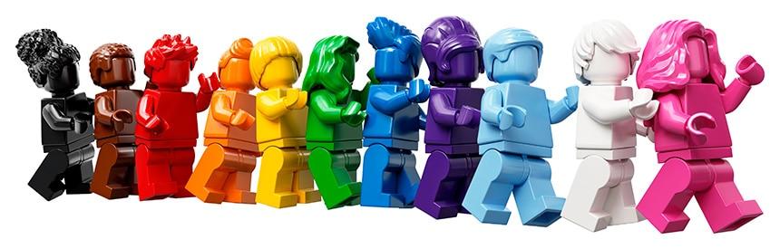 LEGO 40516 Everyone is Awesome minifigure hodijo v vrsti