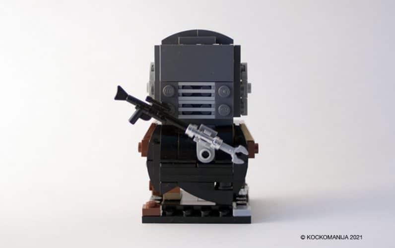 LEGO BrickHeadz Mandalorian od zadnje strani. Madalorianova puška.