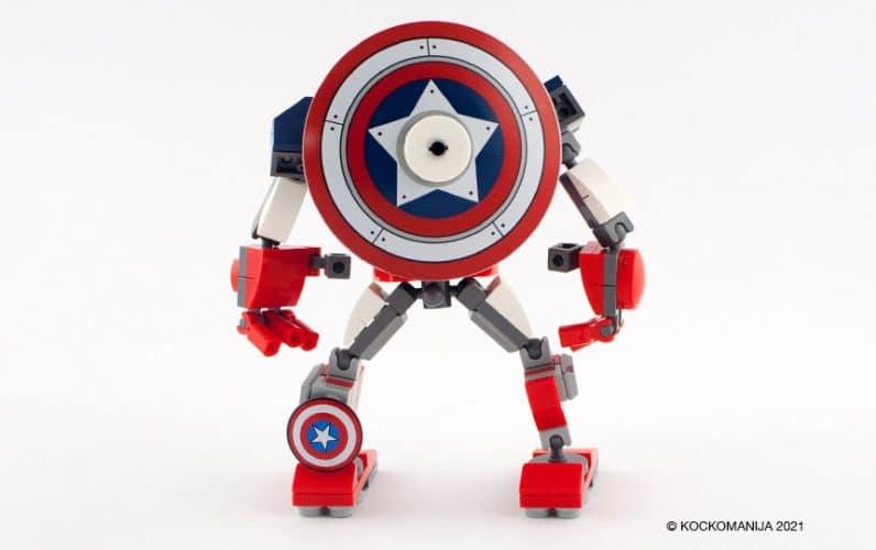 LEGO 76168 Stotnik Amerika robotski oklep stoji z velikim ščitom na hrbtu in kaže hrbet